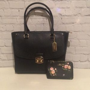 COACH Black Avary Tote and Wristlet